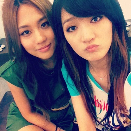 "miss A's Jia Wants to Go Shopping  miss A's Jia expressed that she wanted to do a bit of shopping. She tweeted a photo of herself and member Fei along with the message, ""I wanna go shopping,"" on June 26th. In the revealed photo, Jia is seen wearing a cute, short-sleeved t-shirt while making a silly, sullen expression. Fei, on the other hand, is wearing a green dress, while smiling for the camera. Both girls were noticed for their beautiful, wavy hairstyles and perfect, clear skin, which quickly captured the eyes of netizens. Fans commented, ""They get prettier and prettier,"" ""Faces that possess cuteness and purity at the same time,"" and ""Their facial features are very pronounced."""