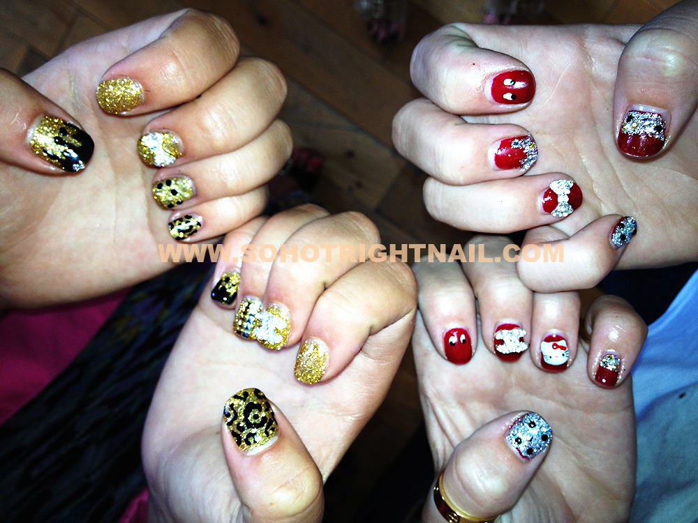 these nails were originally flat gold and red overlays, we pimped them up with a little bit of SHRN 3d'ism :)
