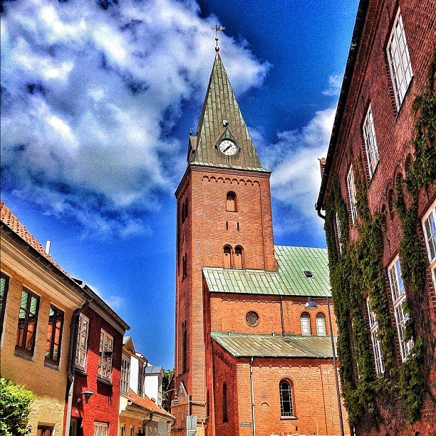 A walk in Aalborg, a day in June.. #sun #clouds #concrete #jungle #church #summer #hot #igers #igfab #igdaily #igaddict #instagold #instagramers #instagramhub #instamillion #instapopular #iphoned #iphonesia #iphonography #iphonephotography #picoftheday #pictureoftheday #bestoftheday #myig (Taken with Instagram)