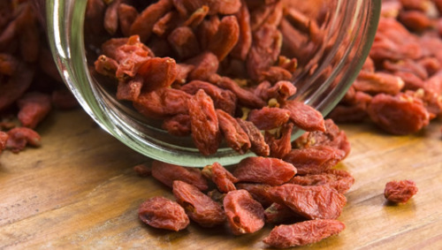 Goji berries: Health benefits, tips and recipesThese small, red berries, native to the Himalayan region of China and Tibet, have long since been used to promote health by Chinese herbalists and are becoming increasingly popular around the globe.