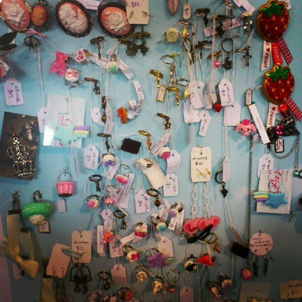 sirbrotatochip:  So much cute jewelry. Ahhh! My cuteness meter has exceeded XTREME LEVELS #cute #jewelry #supanova (Taken with Instagram)