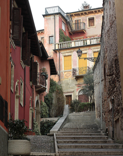 bluepueblo:  Stairway, Verona, Italy photo via lifeis