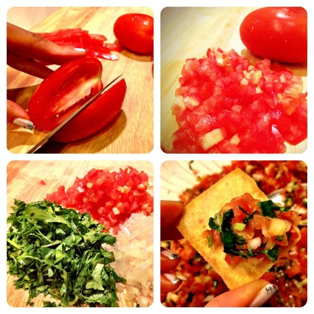 Fresh homemade pico de gallo!!!!! Onions, tomatoes, cilantro, lemon, Tabasco, and you're ready to roll! Add a little salt and sugar if you need it! #healthysnacks (Taken with Instagram)