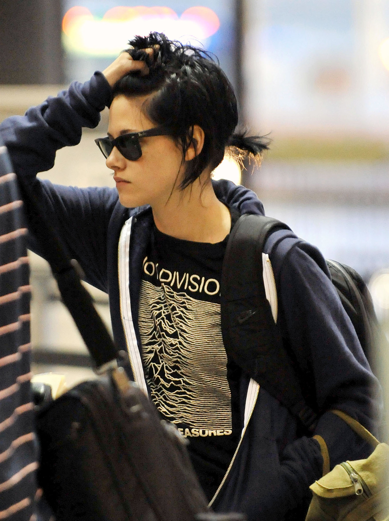 Kristen Stewart being punk as always