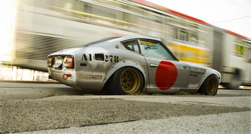 doctor-stance:  Awesome oldskool 240Z