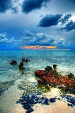mscshell:  Stormy Sky, Grand Cayman, Cayman Islands