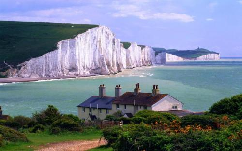 fuckitandmovetobritain:  Seven Sisters, East Sussex, England, UK