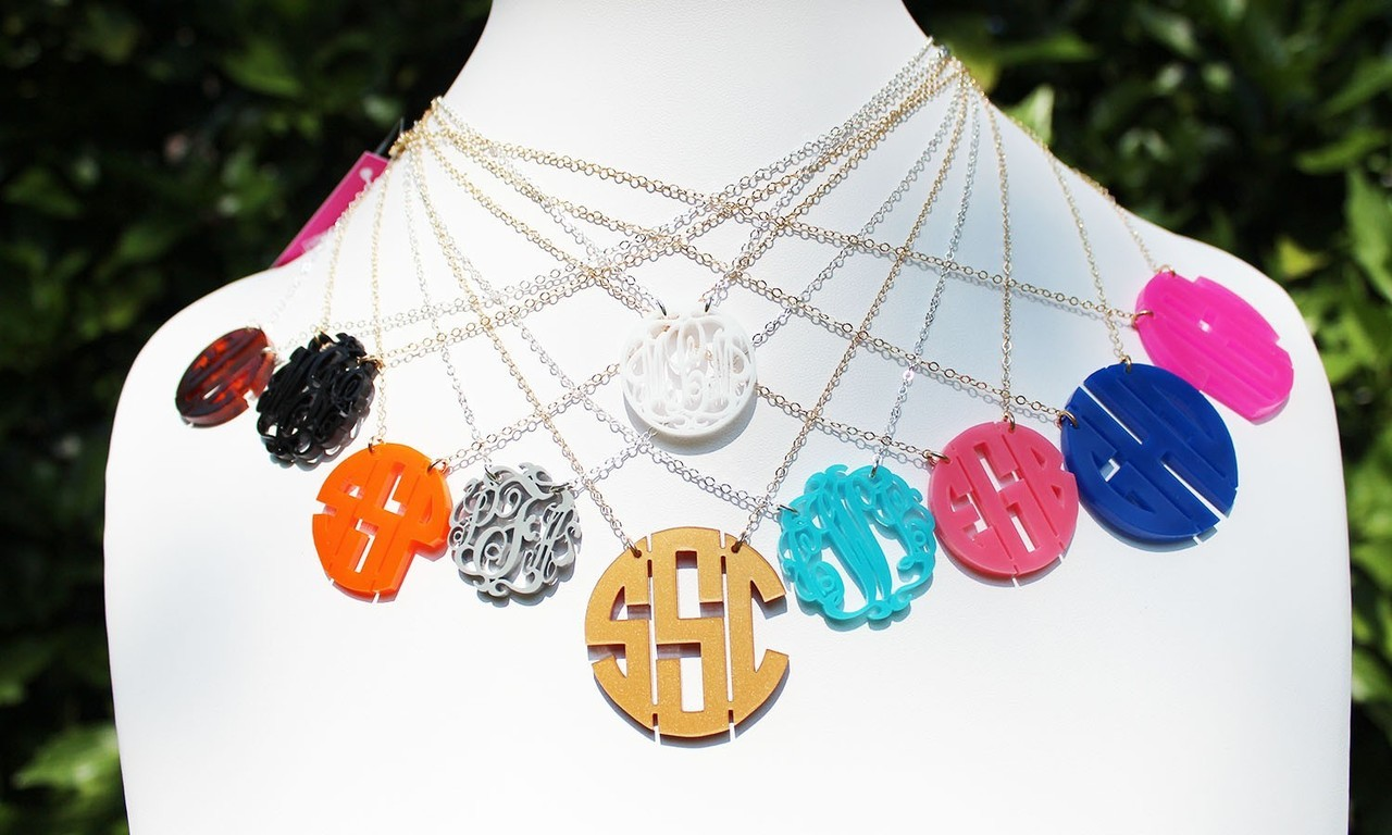 preptothemax:  On my wish list: a monogram necklace!