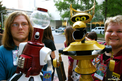 americancomicon:  Servo (tom). Robot (crow t.). (and friends). Dragon*Con. Atlanta. 2011. The Hilton Atlanta Exterior.