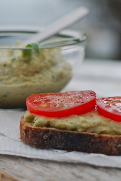 VEGAN DAILY RECIPE:  Cannellini Bean And Artichoke Spread