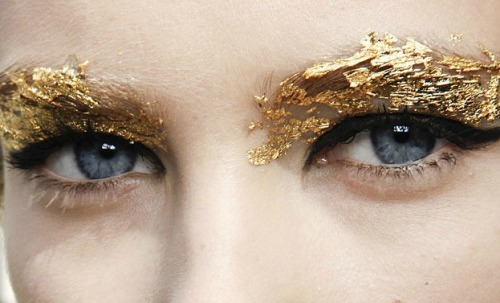 alaveu:  aquatized:  gold leaf  q'd! x