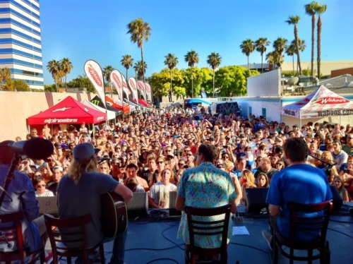 Dirty Heads Album Release Party and Wahoo's New VIZIO 3D Bars Last Saturday, VIZIO was at the Dirty Heads Album Release party to see the band and announce our new 3D Bar launching in the Wahoo's Fish Tacos Huntington Beach location. Complete with VIZIO Theater 3D HDTVs all throughout the bar, you can relax, enjoy some delicious Wahoo's tacos, and experience the ultimate 3D viewing right on the beach. Make sure to check back for other exciting 3D bars launching across the country soon and listen to The Dirty Heads new album Cabin by the Sea now available.