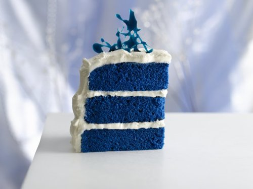 thecakebar:  Royal Blue Velvet Cake  I am intrigued.
