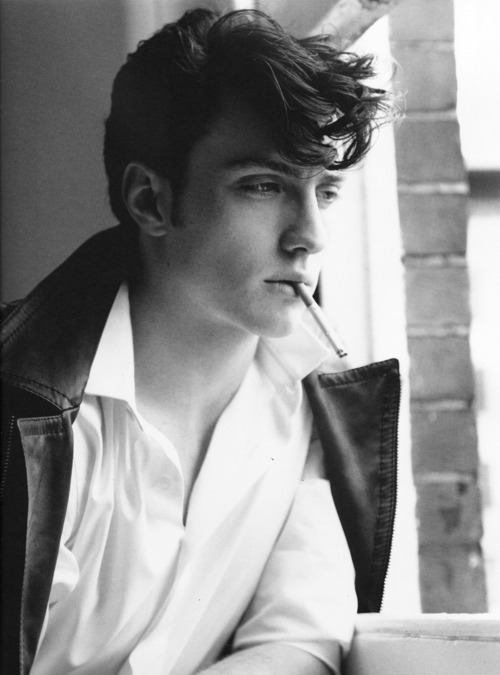 Nowhere Boy *-*