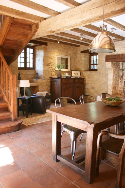 georgianadesign:  La Maisonnette, renovated medieval cottage in Beynac et Cazenac, France. Stephmodo (Stephanie Brubaker).