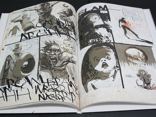 Zombies vs Robots…Ashley Wood creates AWESOME comic books.