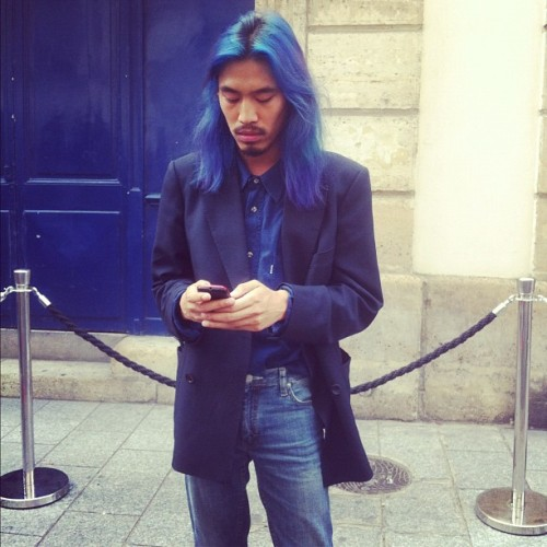 mistermort:  #PFW blue hair & blue door #doublebreastedblazer  (Taken with Instagram outside Mugler)
