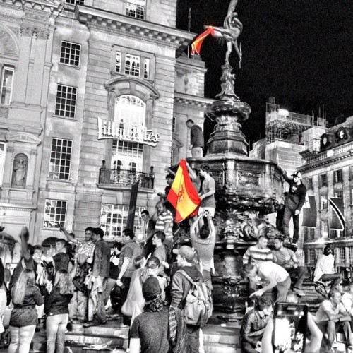 Wonderful scenes at Piccadilly Circus (Taken with Instagram at Piccadilly Circus)