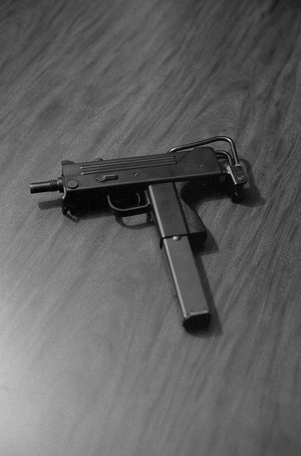 drugwar:  MAC-10