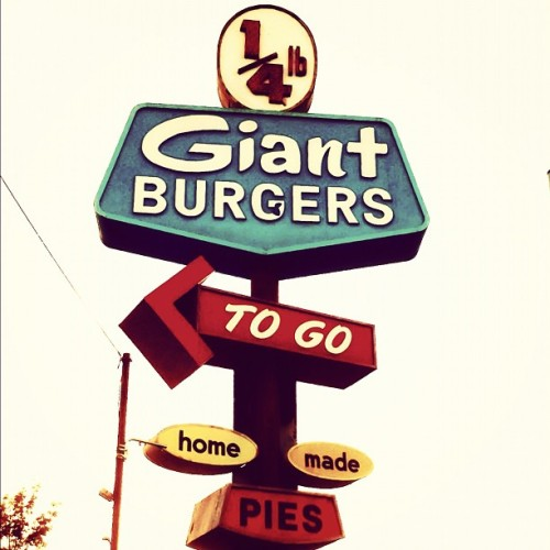 Giant #GiantBurger #Oakland #Eastbay #Signage (Taken with Instagram at 1/4 lb Giant Burger - MacArthur)
