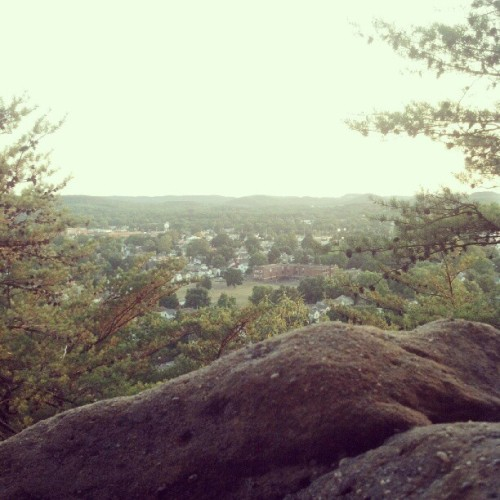 #valencia #risingpark #hill #cliff #beautiful #lancaster #ohio #sunset #pretty #sky #rock #nature #scenic @therainsmelody @owl_fiend  (Taken with Instagram)