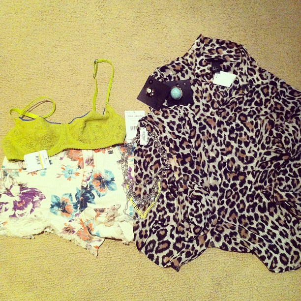 Mmm felt like shopping? #freepeople #h&m #problem (Taken with Instagram)