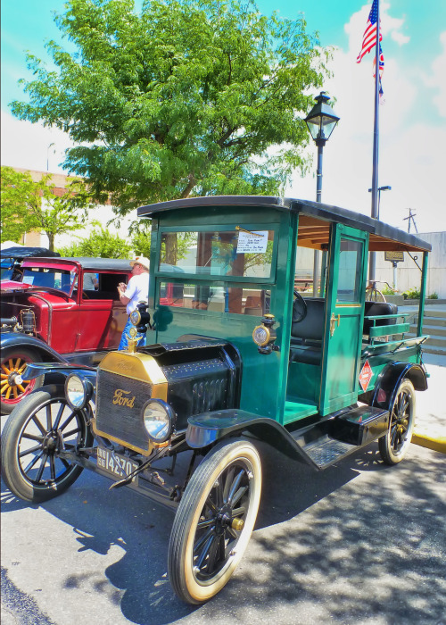 Celebrate Summer historic car and auto show in downtown Marion, Ohio