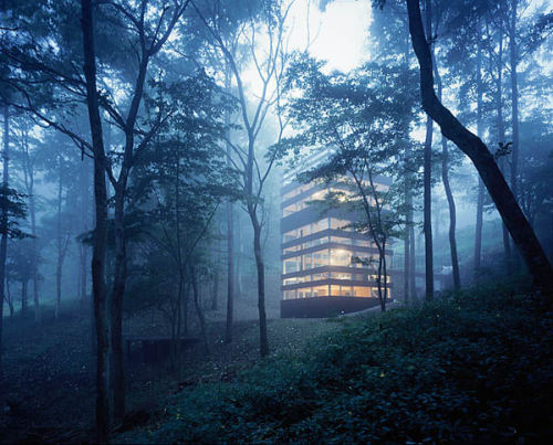 animal-vegetable-mineral:  Exterior The Ring HouseTNA Karuizawa, Japan