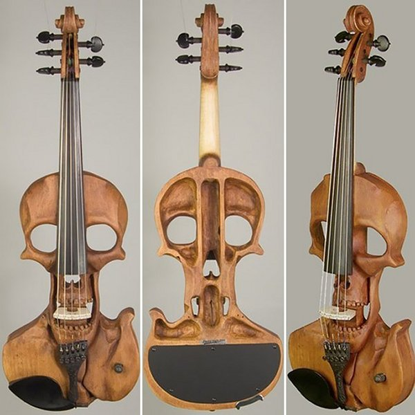 エレキバイオリン。(via Skull Electric Violin is Classically Evil)