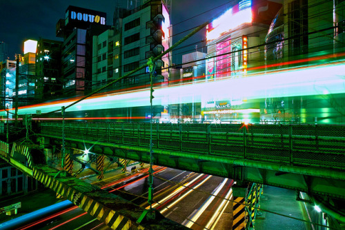 japanlove:  shibuya light trails by sinkdd on Flickr.