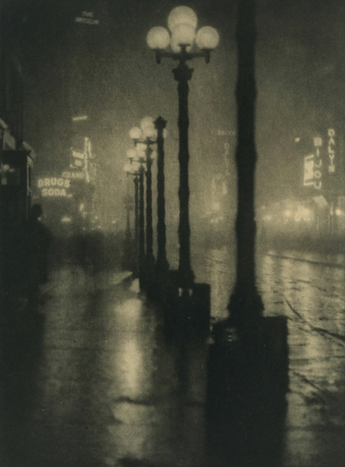 kateoplis:  Into the dark: A history of night photography, Alvin Langdon Coburn, Broadway, 1910