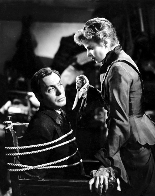 oldhollywood:  Charles Boyer & Ingrid Bergman in Gaslight (1944, dir. George Cukor) (via)