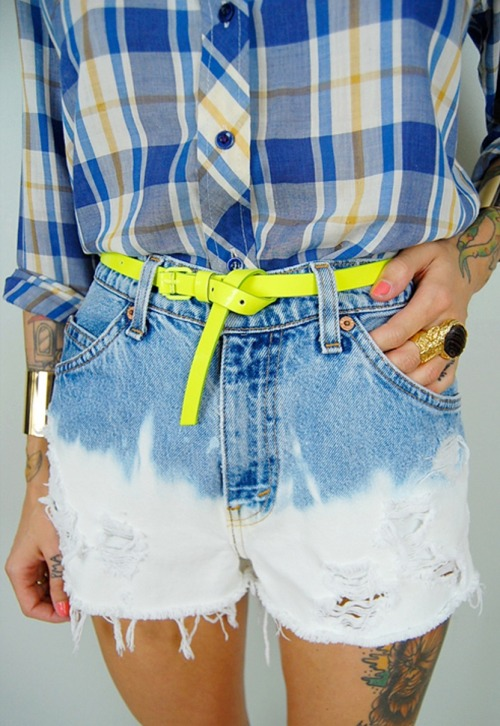 what-do-i-wear:  vtg 80's LEVI'S high waist OMBRE BLEACHED frayed cut off JEAN SHORTS festival available from NOIROHIO VINTAGE