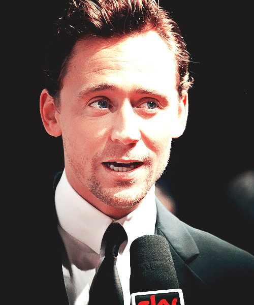 soupynatural:  12/50 ways in which Tom Hiddleston ruins my life