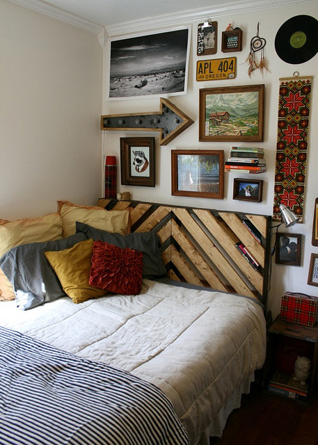 futurestranger:  Bedroom by Lady Reynolds on Flickr.