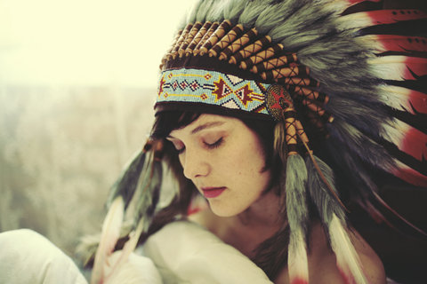 djtey0:  They hatin' when you post girls in headdresses, i like them
