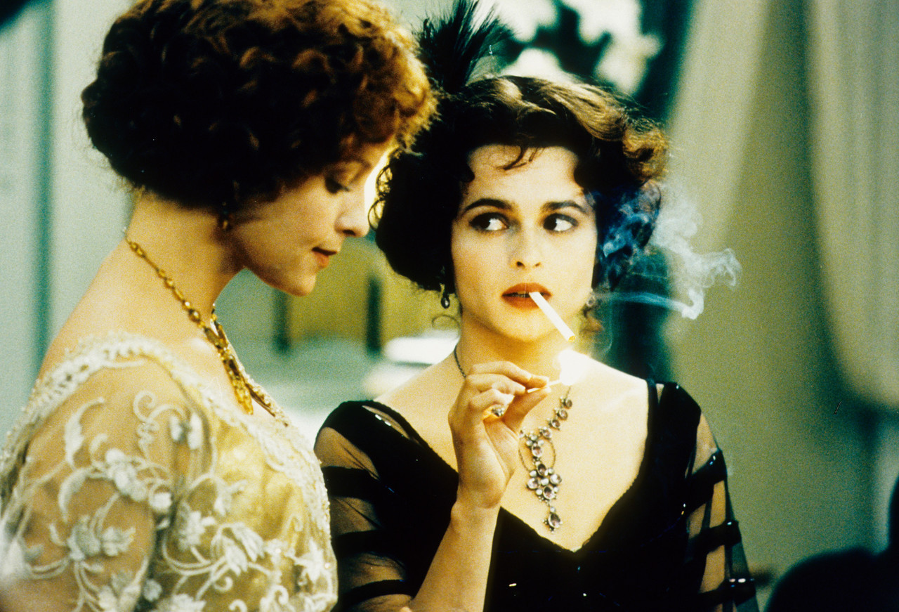suicideblonde:  Helena Bonham Carter and Alison Elliot in The Wings of the Dove (1997)