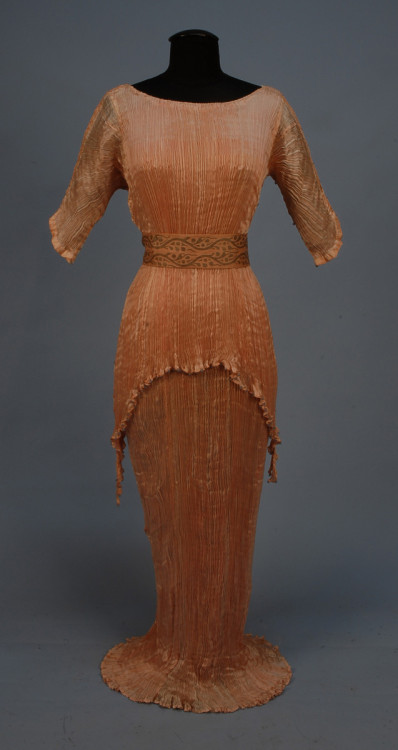 Dress Mariano Fortuny, 1920 Whitaker Auctions