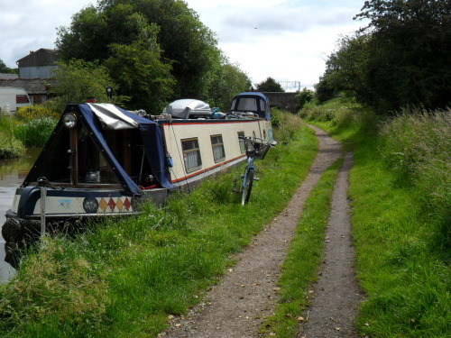 Living on the canal - Great Heywood, Staffordshire. The Staffordshire and Worcester Canal.