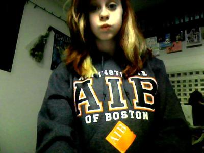 reppin' the school, lol.  yeah i'm wearing a hoodie on the way to beach, judge me