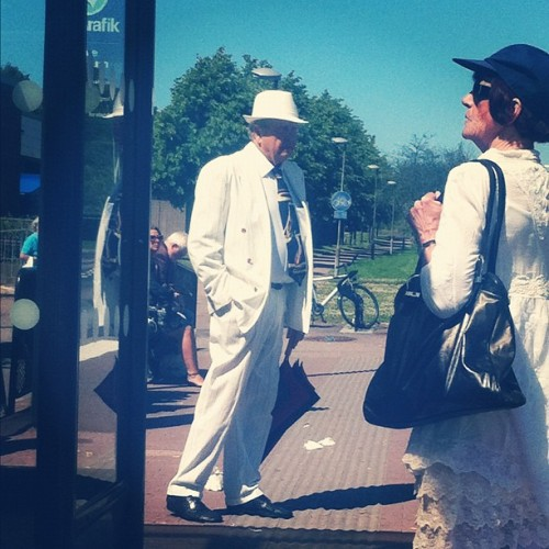 """Everyday chic"".. at a bus stop. #chic #avantgarde #suit #hipster (Taken with Instagram at Tuve)"