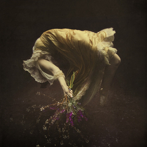 Brooke Shaden - The buoyancy in drowning [Tumblr Monday with arpeggia]