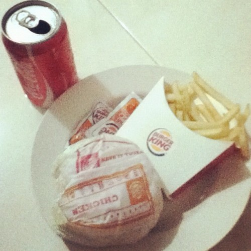 Mooyaaa🍔🍟🍺 #food #fastfood #burgerking #burger #chicken #frenchfries #cocacola #yummy #instafood #instaphoto #instagram (Taken with Instagram)