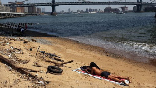 U.S. beaches laden with sewage and bacteria, study findsNearly 3.5 million people fall ill annually as a result of sewage in ocean water according to a study conducted by the Natural Resources Defense Council.