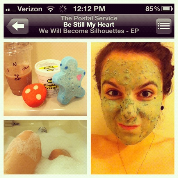 #PicFrame dirty chai, face mask, and a bath? Yes please. 🍄😊💆💚 #lush (Taken with Instagram)