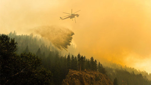 Colorado wildfires provide showcase for new mapping technologyOnline maps of the Colorado fires combine governmental and nongovernmental sources, suggesting a balance of verified facts and fresh information.