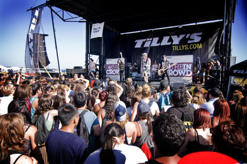 ohbbtayjardine:  We Are The In Crowd by picksysticks on Flickr. Via Flickr: Vans Warped Tour 2012 Irvine, Ca June 21, 2012PICKSYSTICKS