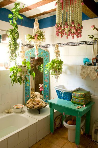 bohemianhomes:  Bohemian Homes: Bathroom with Shell Mobiles