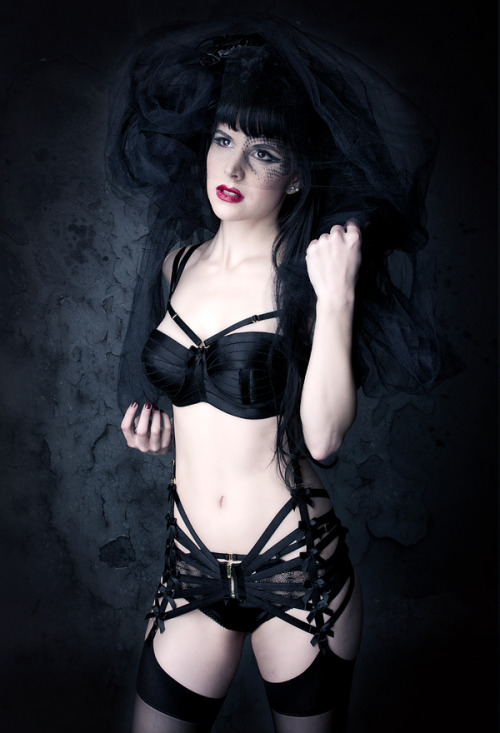 peachylingerie:  Black Wedding by *Annie-Bertram