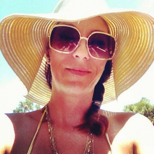 At the Beach! #Floppyhat #Hat #florida #Beach #Sky #Sun #Sunshine #shade #Summer #Floridasummer (Taken with Instagram at Round Island Oceanside Park)